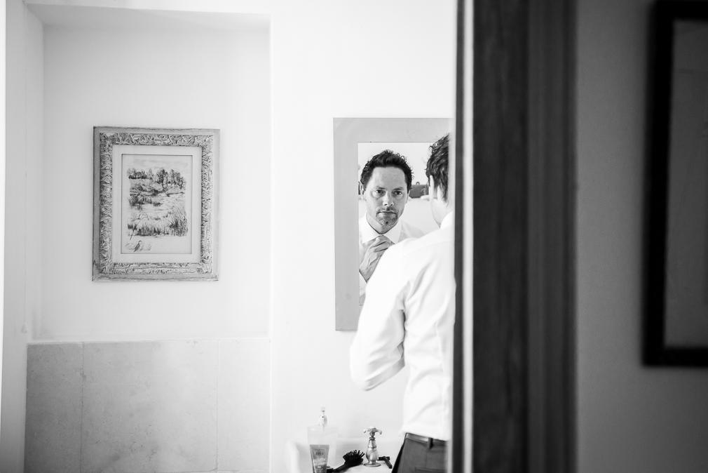7-photographe-dijon-mariage-préparatifs-mariés-photos-chateau-de-barbirey.jpg