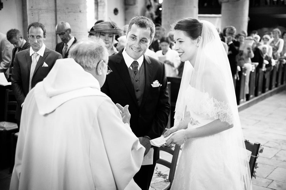 15-photographe-bourgogne-mariage-reportage-cérémonie-photographies-église-nièvre-floriane-guillaume.jpg