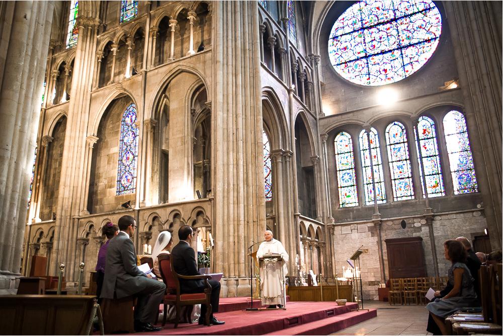 17-photographe-dijon-mariage-reportage-cérémonie-photographies-église-notre-dame-julia-guillaume.jpg