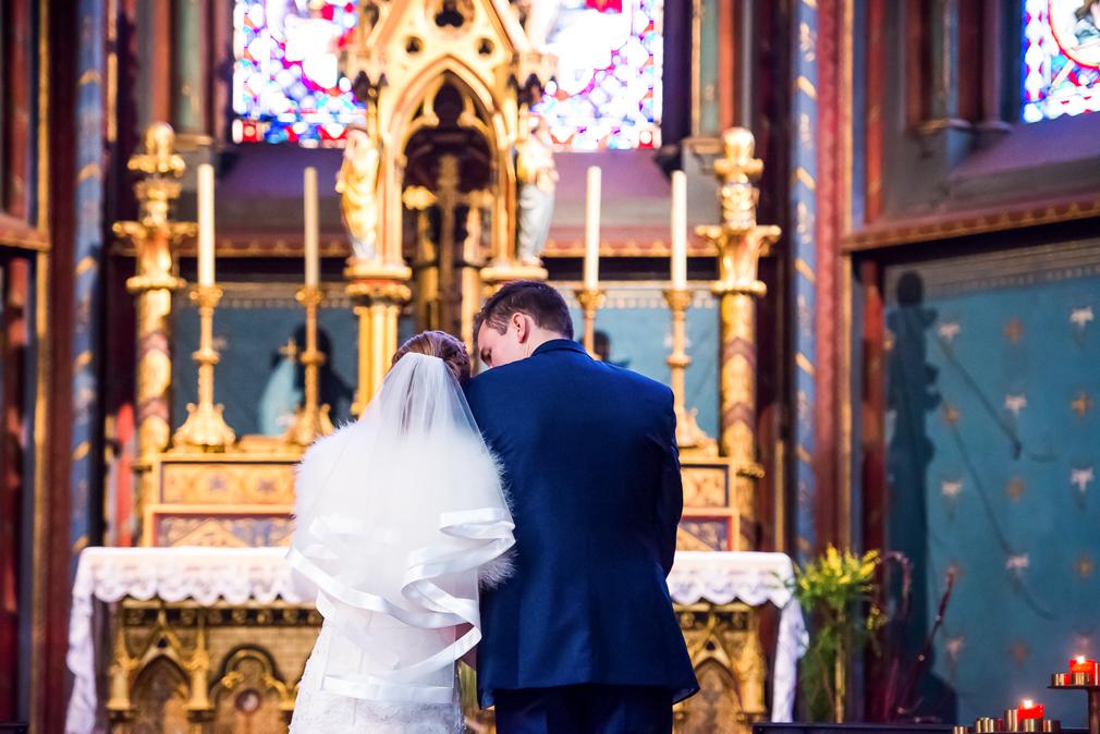 19-photographe-dijon-mariage-reportage-cérémonie-photographies-église-sainte-bénigne-pauline-maxime.jpg