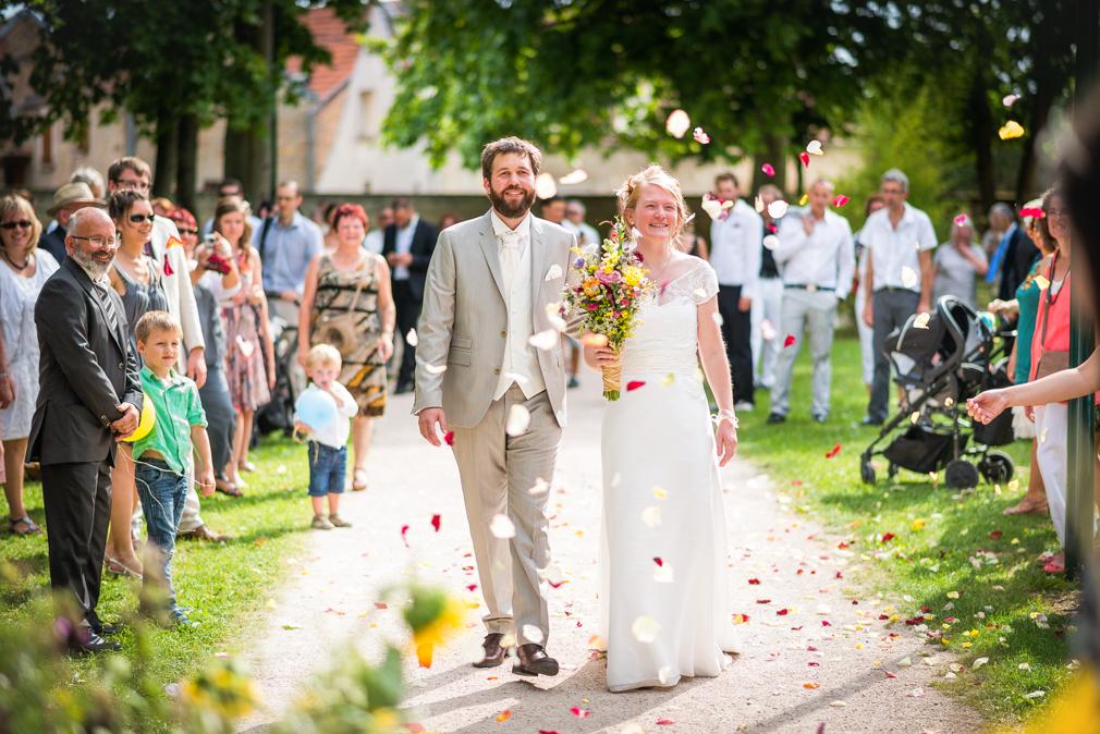 24-photographe-dijon-mariage-reportage-cérémonie-photographies-mairie-perrigny-cloé-florent.jpg