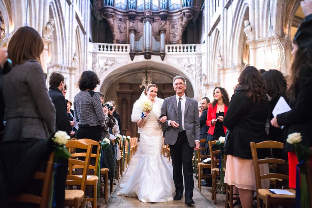 5-photographe-dijon-mariage-reportage-cérémonie-photographies-église-sainte-bénigne-pauline-maxime.jpg