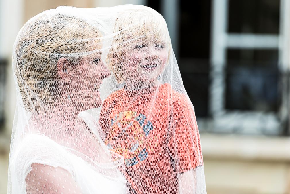 13-photographe-saone-et-loire-mariage-reportage-photographies-chateau-de-frétoy-iris-gijs.jpg