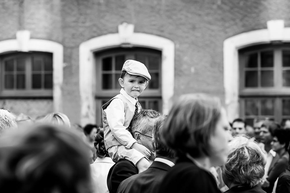 19-photographe-bourgogne-mariage-reportage-photographies-église-nièvre-floriane-guillaume.jpg