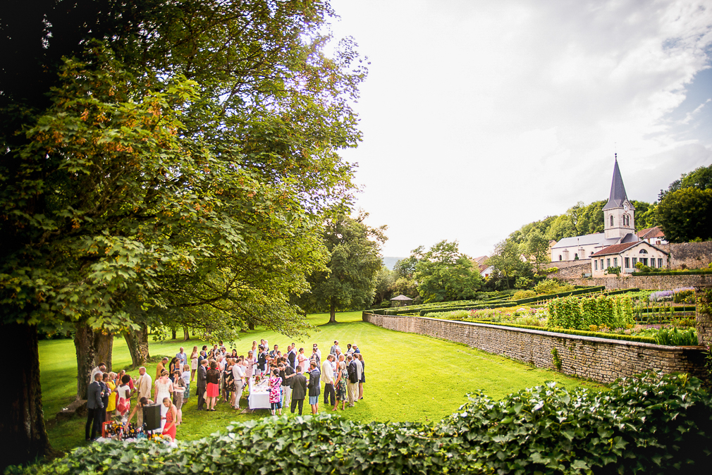 1-photographe-dijon-mariage-reportage-vin-dhonneur-photographies-chateau-de-barbirey-sanne-erik.jpg