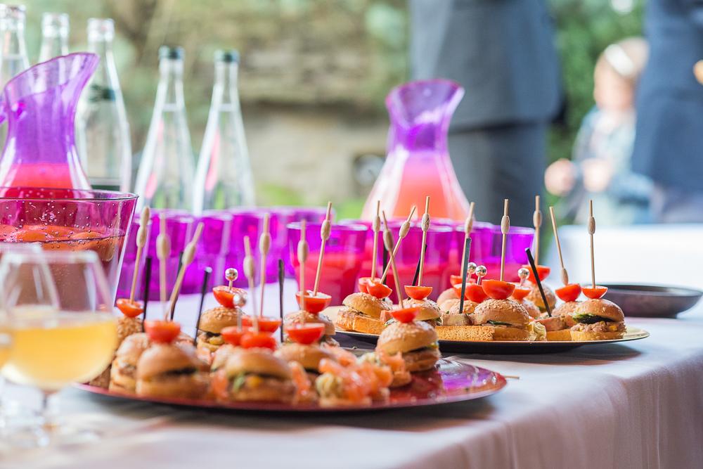 9-photographe-dijon-mariage-reportage-vin-dhonneur-photographies-gentilhommière-nuits-saint-georges-annesophie-paulsimon.jpg