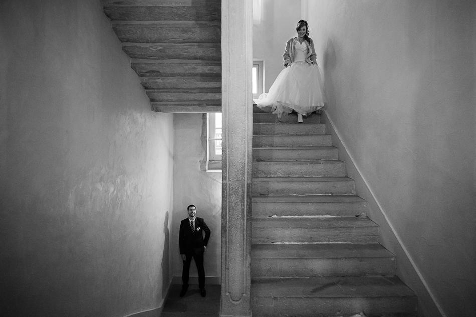 Séance photo couple Dorothée et Adrien au Château de Saulon - Photographe Mariage Dijon
